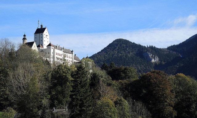 Замок Ашау