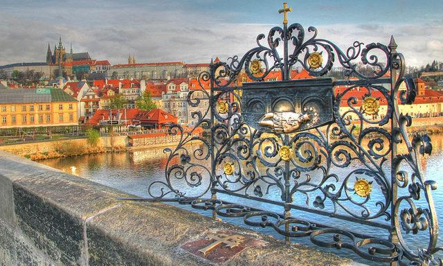 Мост, ведущий в Мала Страна