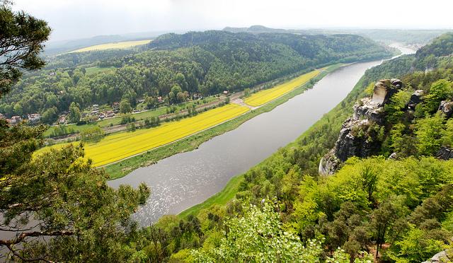 Панорама на реку Эльба