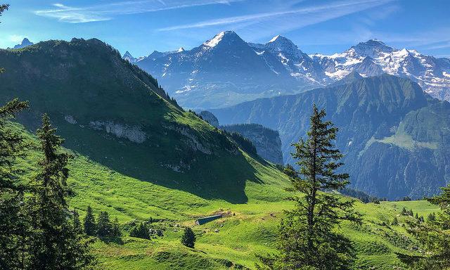 Горы в окрестностях Интерлакена