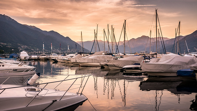 Закат в бухте Локарно
