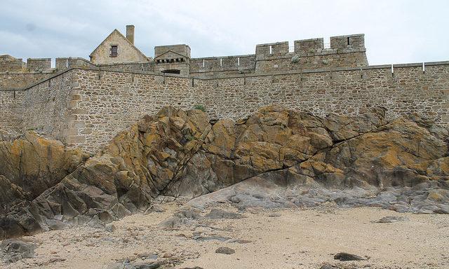 Стены крепости Сен-Мало