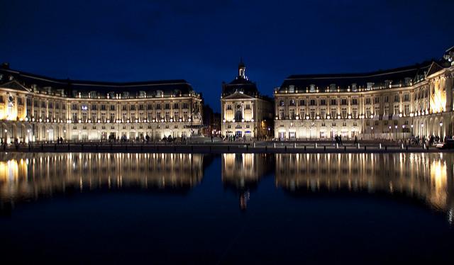 Бордо ночью