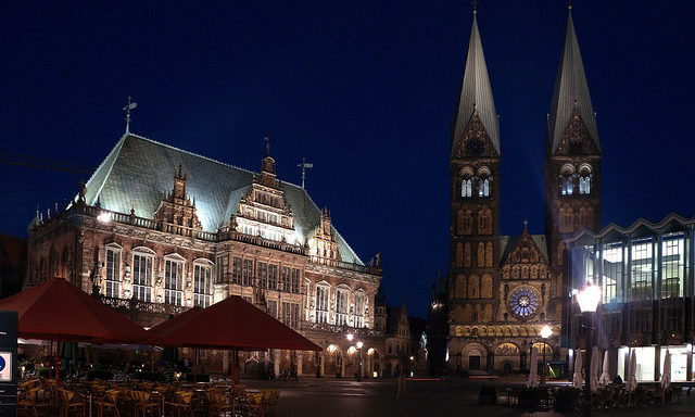 Собор Святого Петра и городская ратуша