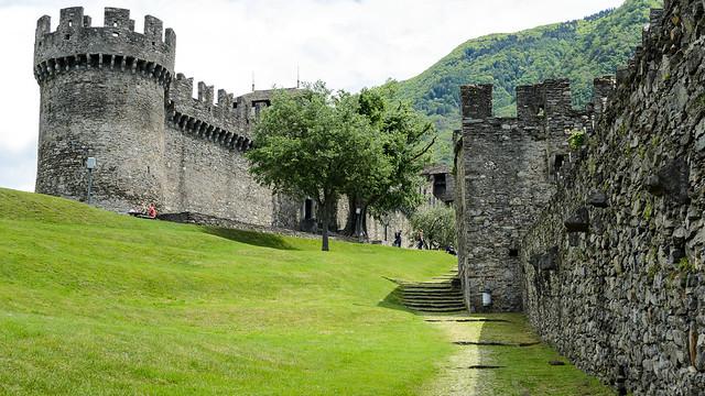 Один из замков Беллинцоны