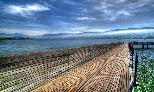 Деревянный мост на Цюрихском озере