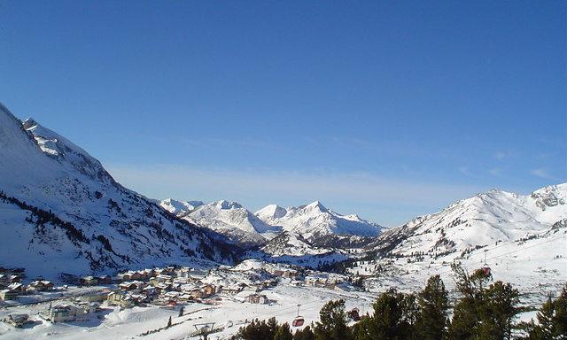 Панорама горнолыжного курорта Обертауэрн
