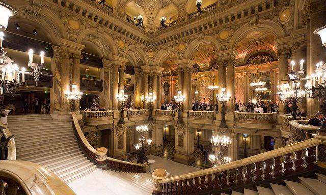 Парадный вход в опере Гарнье