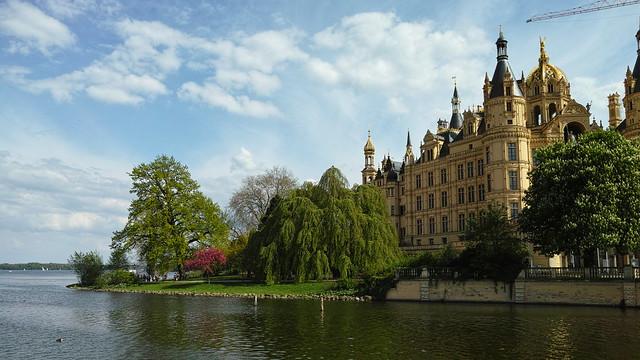 Шверинский замок, вид с озера