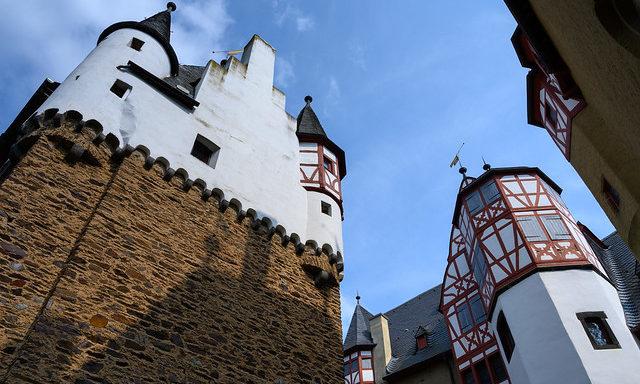 Под стенами замка Эльц