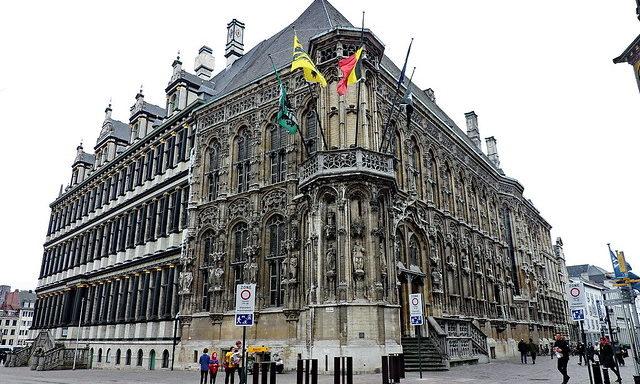 Городская ратуша в Генте